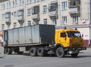КамАЗ-65116 в городе