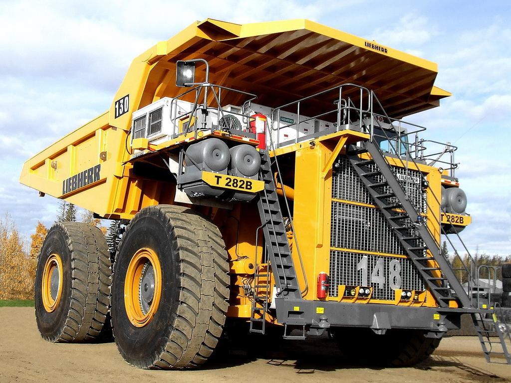 Фото самого большого карьерного грузовика в мире